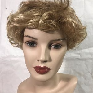 🌷Paula Young Wavy Short Wig Blonde 🌷